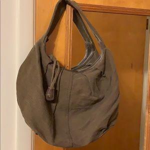 Gap hobo bag. Very cute and comfy.